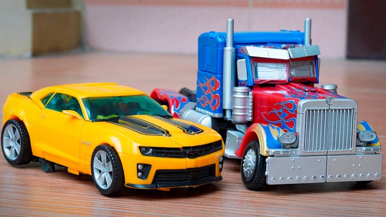 Stop Motion Transformers - Optimus Prime Vs Bumblebee Autobots Truck Lego & Robot in real life!