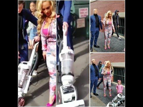 Coco Strolling Thru Soho Manhattan Has A Dude Vacuuming The Street Before She Walks!!