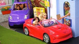 Barbie Doll Drive Thru Restaurant Work Routine with Miniature Doll Food