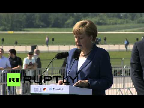 Germany: Merkel salutes Airbus and ESA at Berlin air show