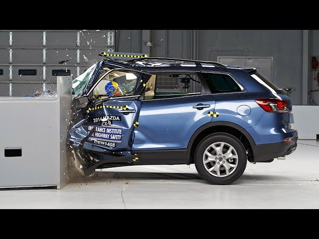 2014 Mazda CX-9 small overlap IIHS crash test