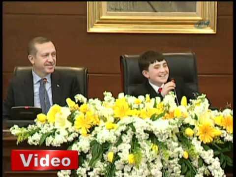 Başbakan Erdoğan koltuğu devretti