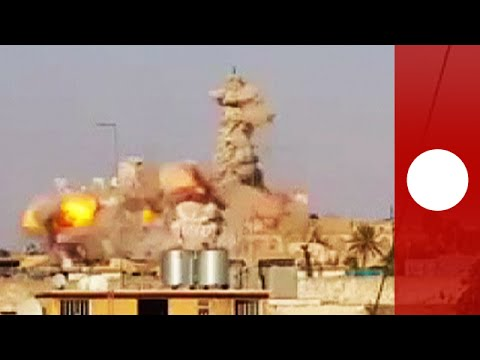 Video: Massive explosion as ISIS destroys Jonah's Tomb in Mosul klip izle