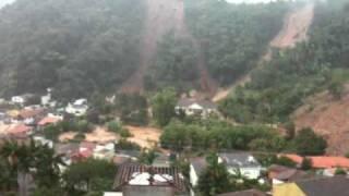 Deslizamento Derruba Predio - Nova Friburgo - 12/01/2011