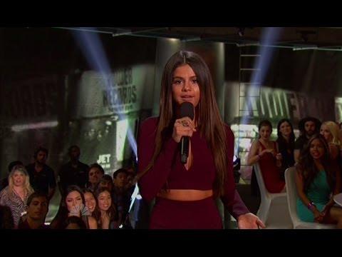 Selena Gomez's STUNNING Style iHeartRadio Music Awards 2014 thumbnail