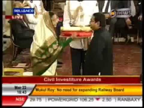 Dr Mukesh Batra receiving Padma Shri for Medicine, 2012