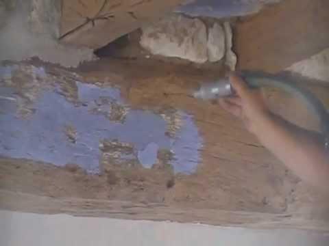 Decapage par aerogommage sablage de poutres en chene youtube for Decapage de radiateur en fonte