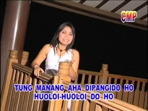 Melina Simbolon - Dirippu Ho Do Au Naoto (Official Lyric Video)