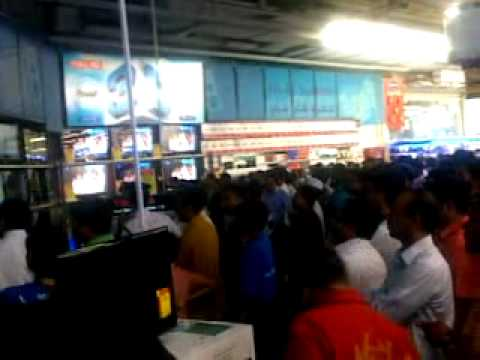 Cricket World Cup Victory  final match watching at carrefour BUR DUBAI, april2, 2011