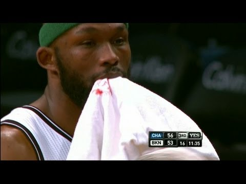 Reggie Evans Gets Tooth Knocked Out, Stays In Game
