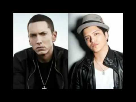 Eminem Ft.bruno Mars-sky Full Of Lighters video