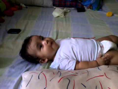 Bebe de 6 meses hablando