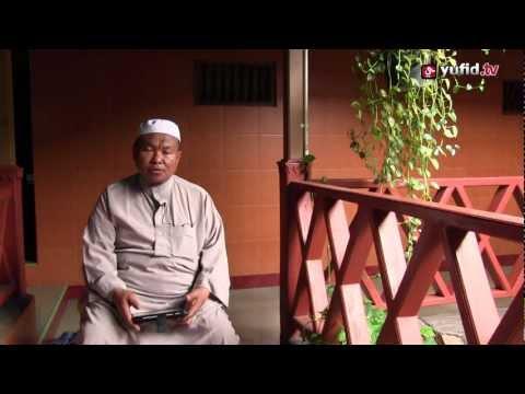Ceramah Pendek Islam - Kunci Kebahagian Wanita Muslimah - Ustadz Aunur Rofiq Bin Ghufron, Lc.