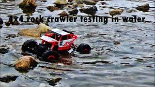Monster car rock crawler in the water 1:18(suda giden canavar araba rock crawler 1:18)