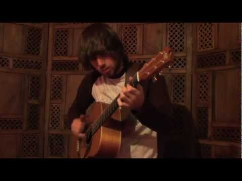 Gareth Pearson - Buddy Holly (Weezer) - acoustic guitar