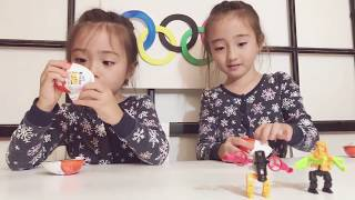 Lola and Estee play and open lol surprise dolls suprizamals kinder eggs