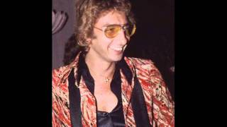 Watch Barry Manilow Seven More Years video