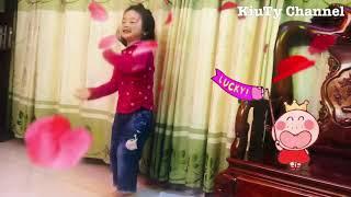 """Bé múa """" Rềnh Rềnh Ràng Ràng"""" vui nhộn 🤪"""