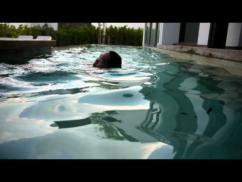 P1070922 HL swims naked