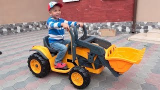 Unboxing and Assembling The POWER Wheel / Kids Ride on Excavator / Baby Car