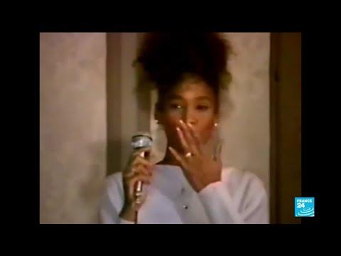 """Images Inédites D'une Star : Kevin MacDonald Sur """"Whitney"""""""