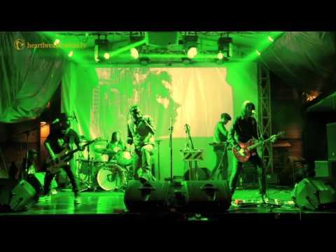 TENDOSTARS - Anak Kampung ( Live at Rolling Stone Cafe )