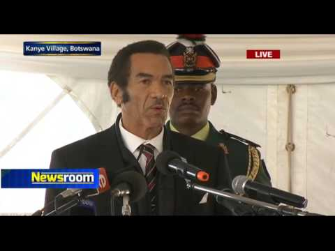 Ian Khama delivers Masire's eulogy
