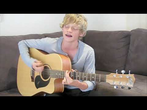 Cody Simpson singing I'm Yours by Jason Mraz Video