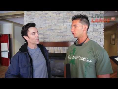 Vince Del Monte Interviews Tony Horton of P90X - LiveLargeTV.com (Season 1, Ep#11)