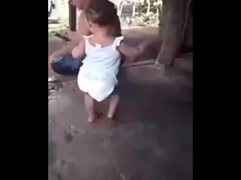 رقص اطفال يموت من الضحك thumbnail
