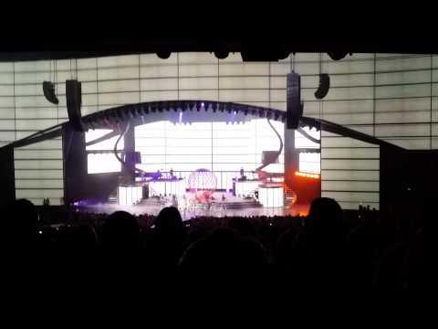 Britney Spears - Work Bitch (las Vegas, October 17, 2014) video
