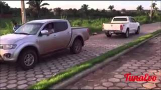 Mitsubishi L200 vs Toyota Hilux