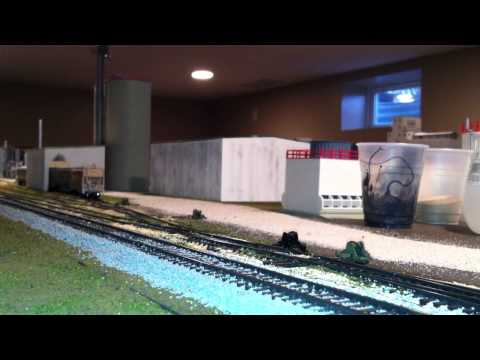 Union Pacific Local spotting empty DDG cars at local ethanol plant w/SD40-2's HO scale