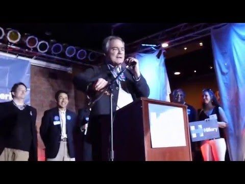 Sen. Tim Kaine Speaks at Latinos con Hillary Event in Arlington (2/27/16)