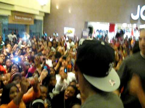 New Boyz Live Crowd Goes Crazy -Flint MI- Part 3