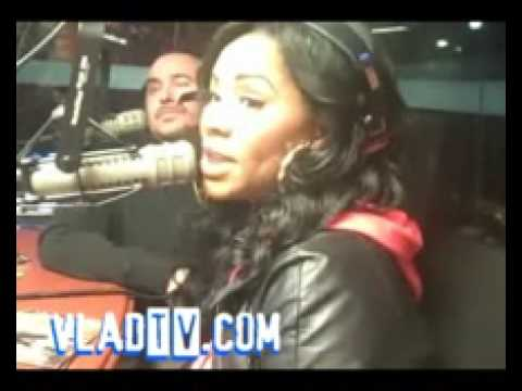 Exclusive: Deelishis Talks Chris & Rihanna