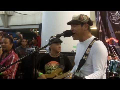 Liran Roll - Maria @ Metro San Lazaro 11mar13 www.rockxmexico.com
