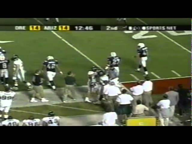 Oregon TE George Wrighster hurdles a defender for a 10 yard gain vs AZ 10-06-01