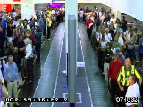 AIRPORT TERMINAL BAGGAGE CLAIM