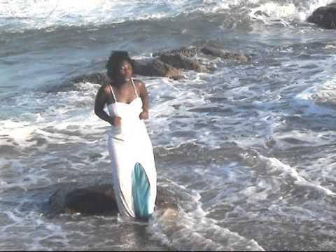 Nqobile Gumede - Wahazulwa