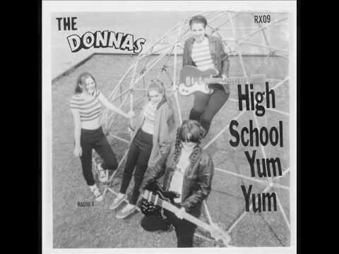 Donnas - Everybodys Smoking Cheeba
