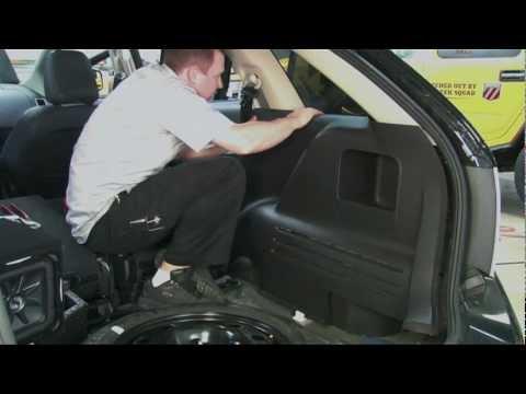 Installing an Amplifier & Subwoofer: Geek Squad Autotechs