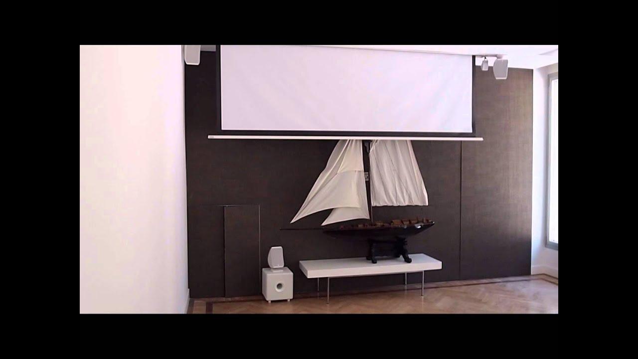 Proyector oculto en techo y pantalla empotrada youtube for Pantalla para proyector