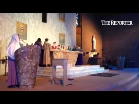 Mater Dei Catholic school students perform the Passion play on Wednesday #NPIVnews