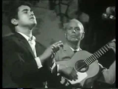 Meneses canta por Tientos-Tangos, con la guitarra de Diego del Gastor.