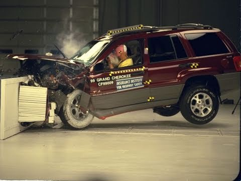 Jeep Grand Cherokee Moderate Overlap Iihs Crash Test Youtube