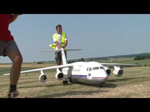 Giant BAe 146-300 Jumbolino Unusual RC Airliner Model