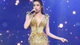 """Điểm lại những pha """"lộ hàng"""" gây chấn động của loạt mỹ nhân đình đám showbiz Việt"""