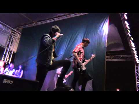 Sleeping With Sirens- Do It Now Remember Later (live) video