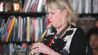 "Jane Bunnett and Maqueque - NPR Music Tiny Desk Concertにて""Little Feet""など3曲を披露 映像を公開 thm Music info Clip"